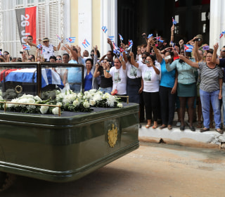 Fidel Castro's Ashes Travel in Caravan Across Cuba