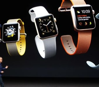 What 71 Percent Drop in Apple Watch Sales? Cook Says Thanksgiving Sales Were Best Ever