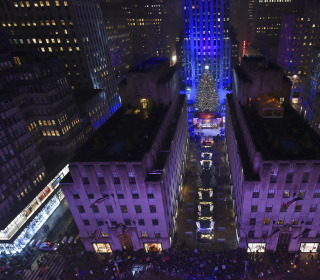 Man Arrested Near Rockefeller Christmas Tree With Gasoline Can, Matches