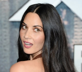 Actress Olivia Munn Shows Off Her New Look at 'Office Christmas Party' Premier