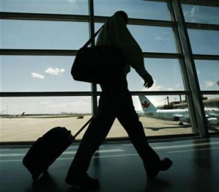 Government Proposal Weighs Phone Calls on Flights