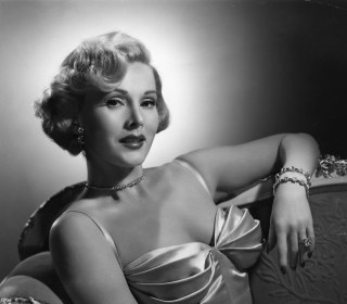 Socialite, Hollywood Glamour Queen Zsa Zsa Gabor Dies at 99