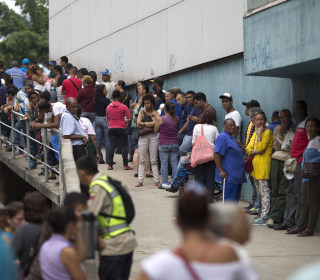 Congressional Group Urges Visa Ban for Venezuelan Officials