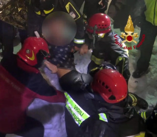 Italy Quake Avalanche: Four More Survivors Pulled from Buried Hotel Rigopiano