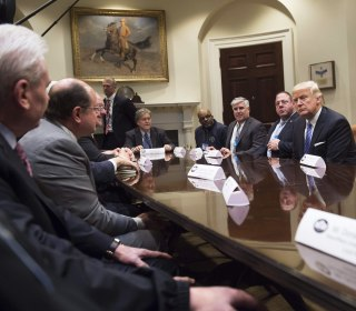 Trump Meets Labor Union Heads and Promises to Build