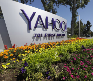 Yahoo Cuts Sale Price to Verizon By $350 Million After Hacks
