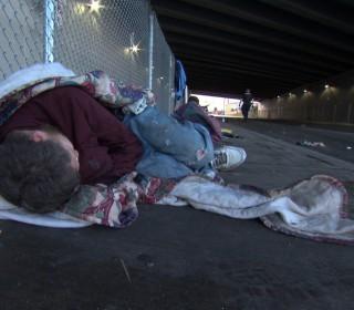 170309-everett-homeless-street-908p_af262133c63e5c970477d3a9de14d96c.nbcnews-fp-320-280.jpg