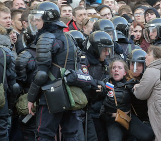 Hundreds Detained in Moscow Protest of Government Corruption