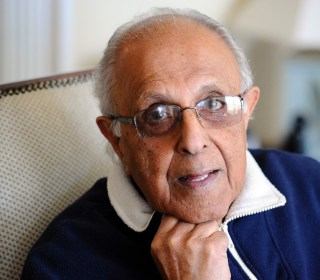 Ahmed Kathrada, Anti-Apartheid Leader Jailed Alongside Mandela, Dies at 87