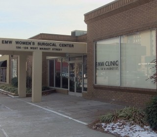 Kentucky's Last Abortion Clinic Sues State to Stay Open