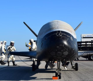 Secret Space Plane Returns to Earth After Record-Setting Mission