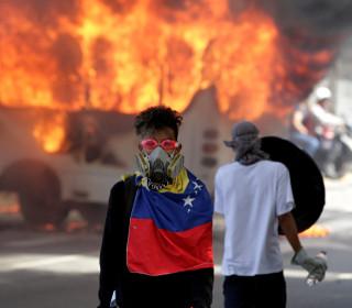 Venezuela Protests: Roads Blocked as Anti-Maduro Demonstrations Persist