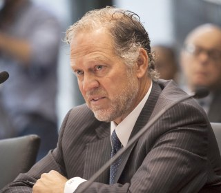 Hastert Accuser Scott Cross Helps Get Sex-Abuse Law Passed