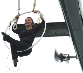 Erendira Wallenda Dangles by Teeth Above Niagara Falls in Daredevil Stunt