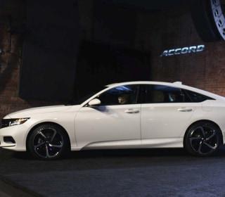 Honda Hopes to Revitalize Midsize Sedan Market with All-New '18 Accord