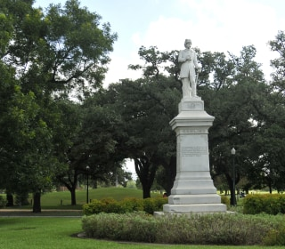 Houston Man Charged After Trying to Plant Bomb on Confederate Statue