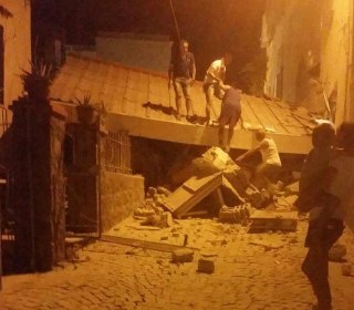 One Dead, 25 Injured After Quake Strikes Italian Tourist Island