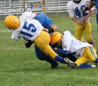 Don't Let Kids Play These 6 Sports, 'Concussion' Doctor Warns