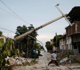 Mexico Earthquake Death Toll Climbs as Dozens Sleep on Streets