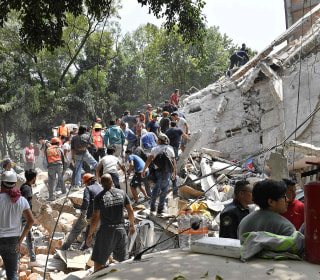 Powerful Earthquake Shakes Mexico City, Collapses Buildings, Kills Dozens