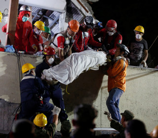 Mexico Earthquake Death Toll Climbs as Rescuers Race to Find Survivors in Rubble