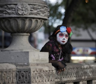 In Mexico City, Face Paint and Fanfare Pave the Way for Day of the Dead