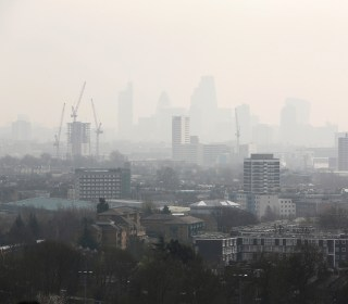 London Aims to Clean Its Air With Toxicity Charge on Older Cars