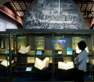 Museum of the Bible gears up for opening in Washington amid proprietary questions