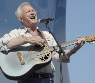 Mel Tillis, legendary country singer and songwriter, dies at 85