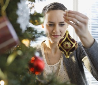 How to keep holiday-induced stress under control