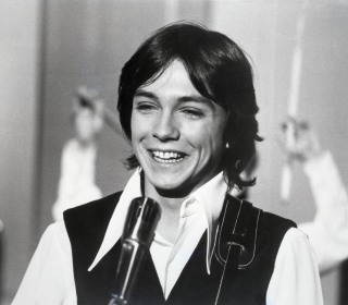 David Cassidy, 1970s teen idol, has died at 67