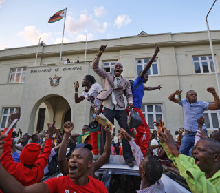 Zimbabwe rejoices as Mugabe steps down