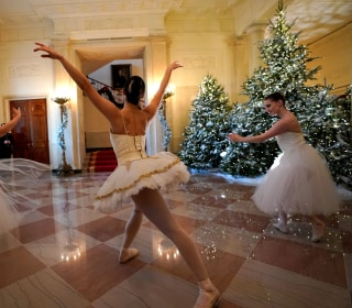 Ballerinas kick off Christmas at the White House