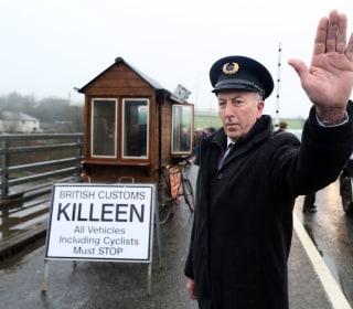 Border battle threatens to derail Brexit divorce talks