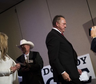 Amid abuse scandal, Roy Moore left with ghost of a campaign