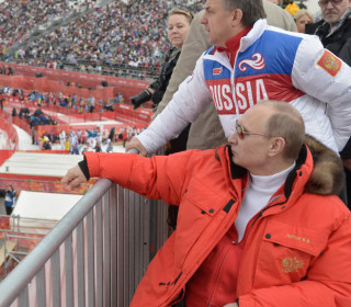 Putin allows Russians to compete at 2018 Winter Olympics
