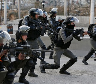 Dramatic sequence shows Israeli troops shooting knife-wielding Palestinian