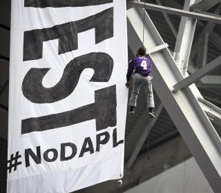 Pipeline Protesters Deliver High-Flying Stunt During Vikings Game