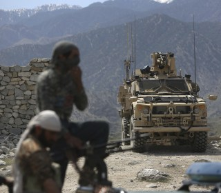 U.S. service member in Afghanistan killed, 4 others wounded in combat