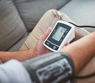 'White coat hypertension' may be sign of a real problem, study finds