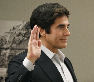 Magician David Copperfield takes stand in tourist injury case