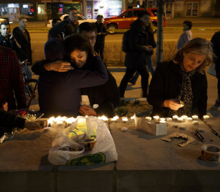 10 killed, 15 injured in Toronto after van strikes pedestrians