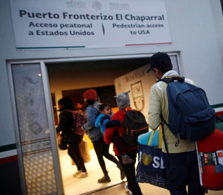 Data shows big gap in asylum approval rates between U.S. immigration courts
