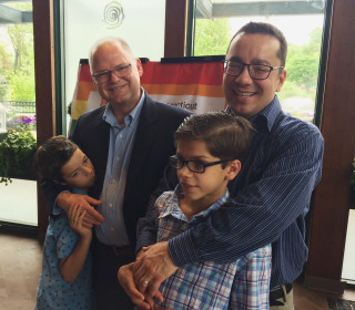 Connecticut recruiting LGBTQ families to adopt, foster kids