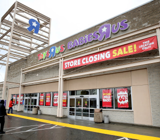 The Toys R Us bankruptcy is what happens when Wall Street puts profits before people