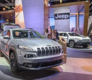 Fiat Chrysler recalls 4.8 million U.S. vehicles for cruise control defect