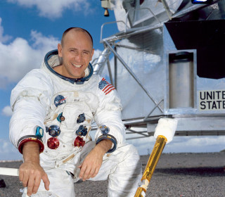 NASA astronaut Alan Bean, fourth man to walk on the moon, dead at 86