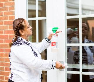 Study documents Latina domestic workers' economic hardship
