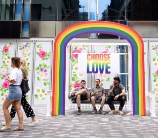 U.S. experts applaud U.K. ban on 'gay conversion therapy'