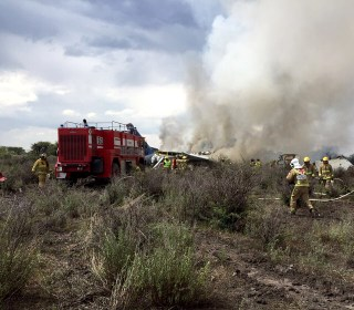 Aeroméxico plane with 103 aboard crashes in Durango; no deaths reported